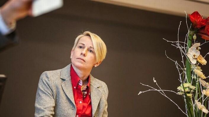 Ålesund-rektor Marianne Synnes er trolig i gang med å selge inn NTNU-fusjonen til den maritime industrien.