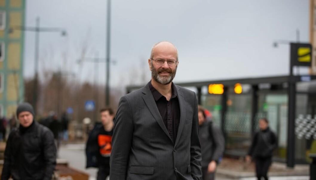 Dekan Øyvind Weiby Gregersen er bekymret for linjeforeningenes planer om skitur til Oppdal.