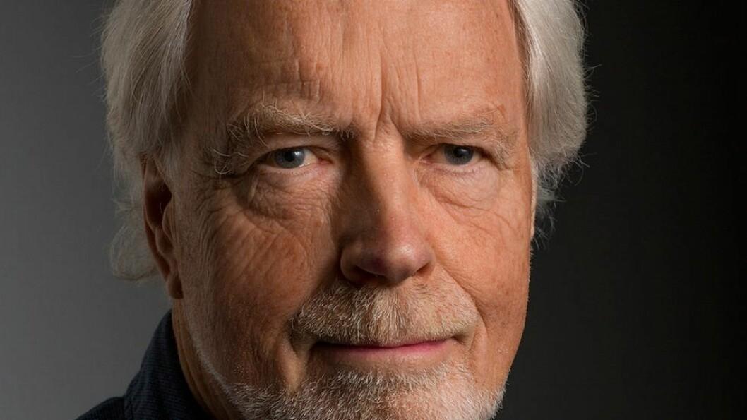 «Likevel fortsetter det å gnage i en garvet tverrvitenskaps-eksperimentator at ikke noe universitet hittil har klart å beskrive hva de mener med tverrvitenskap: Dersom de ikke vet hva de mener, har de heller ikke noe å lete etter.» skriver Arne B. Johansen er professor emeritus ved NTNU Vitenskapsmuseet.