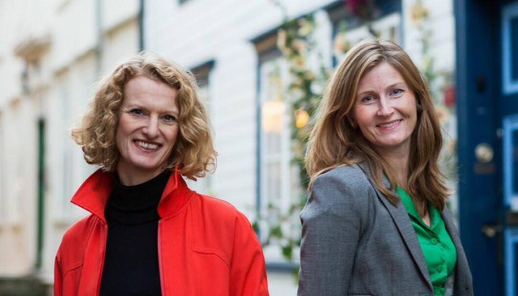 Journalistene Randi Lillealtern (t.v.) og Guro Kulset Merakerås har skrevet boken «Koronavåren».