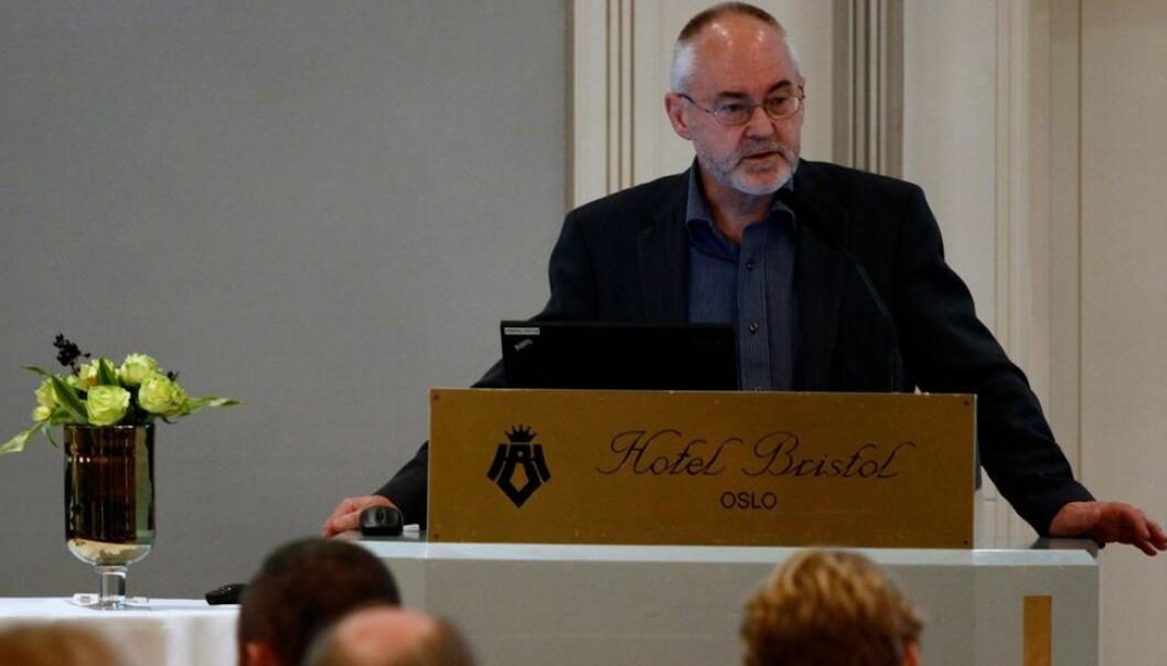 Det er ikke fornuftig at alle høgskoler skal bli universiteter, mener tidligere rektor ved Universitetet i Bergen Sigmund Grønmo.