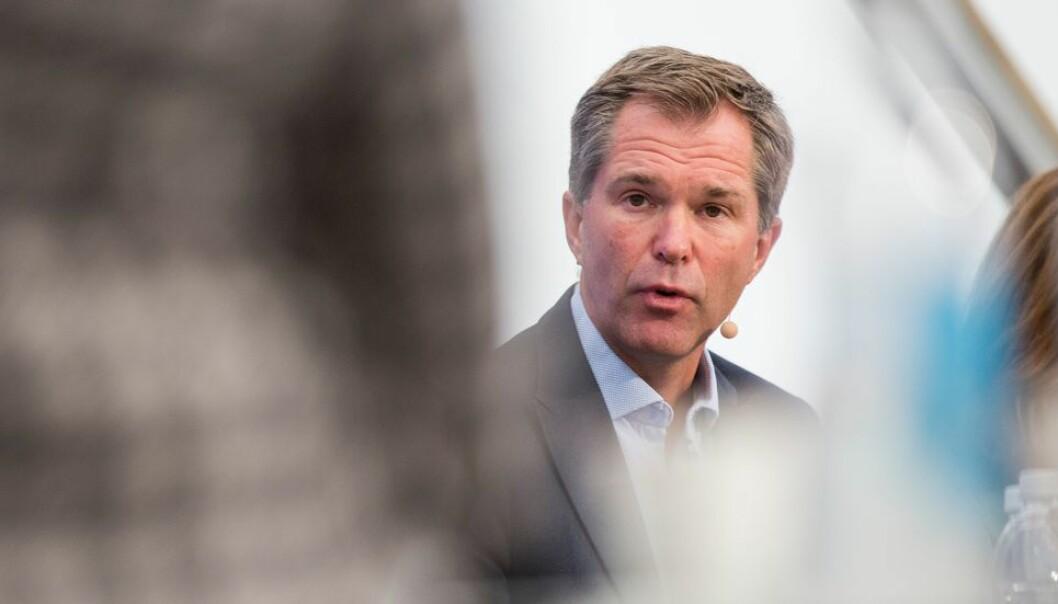 De viktigste gruppene i Norge vil antakelig være vaksinert mot Covid 19 i løpet av neste år. Men det vil ta ytterligere et år innen vi når en slags normalitet internasjonalt, tror John-Arne Røttingen.