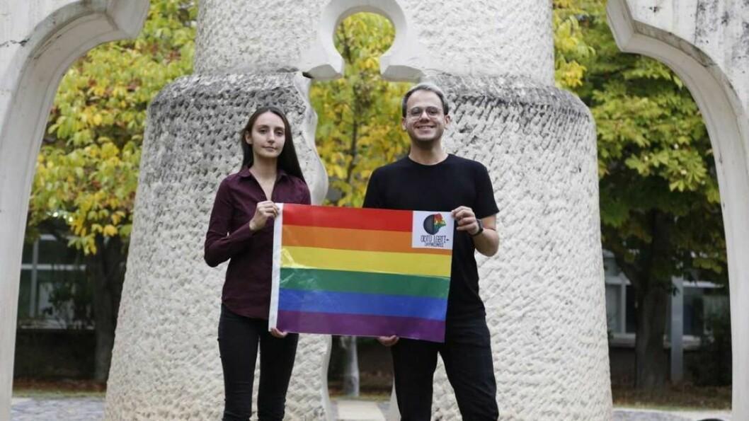 Organisasjonen METU LGBTI+ Solidarity vinner årets Studentenes fredspris. Melike Balkan (t.v.) og Özgür Gür er de lengstsittende nåværende medlemmene i organisasjonen.
