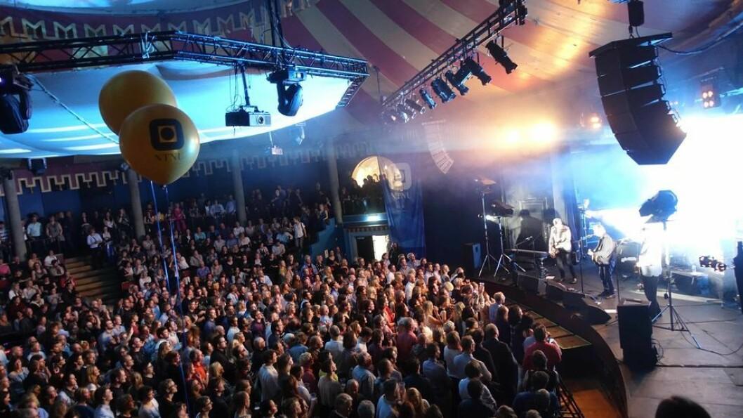 Det blir ikke noe publikum til stede under kunngjøringen i Storsalen torsdag. Bildet er tatt i bedre tider, under en DeLillos-konsert i 2016, da store folkemengder trygt kunne samles.