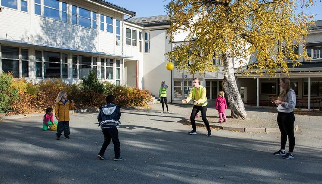 NTNU-lærerstudenter i praksis, ved Gimse skole barneskole: Flere lærerstudenter nasjonalt fullfører på kortere tid.