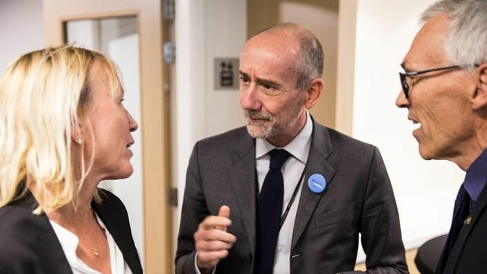 EUS forskningssjef deltok også på åpninga av kontoret. Her er Jean-Eric Paquet flankert av prorektorene Margareth Hagen og Bjarne Foss.