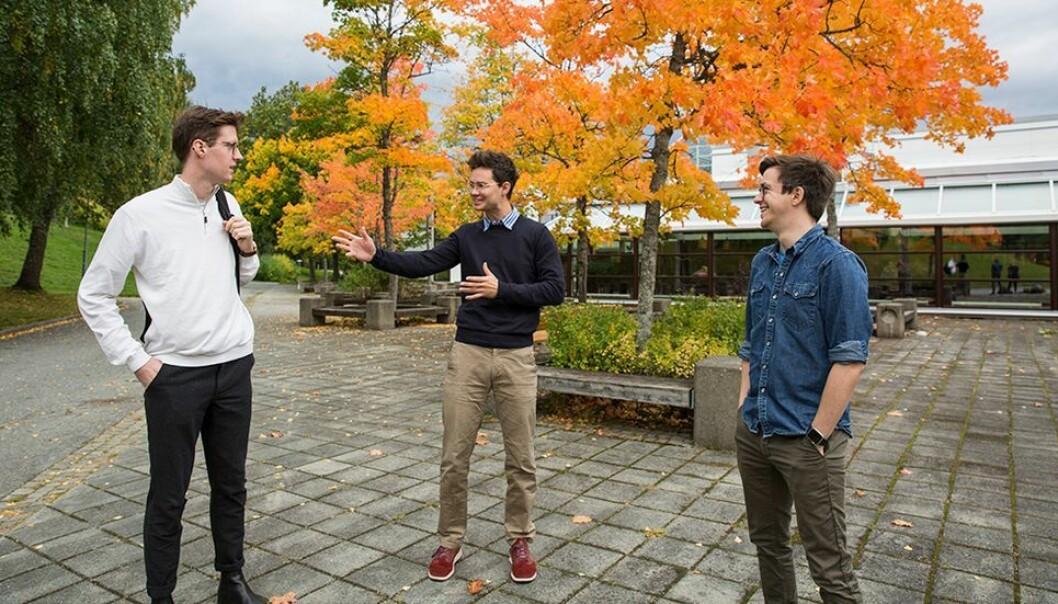 De stortrives på profesjonsstudiet i psykologi, men hadde gjerne sett at kjønnsbalansen var bedre. Fra venstre: Øyvind Sivertsen, Baldur Kjelsvik og Benjamin Sandoval.