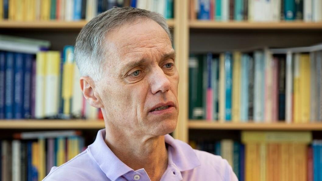 NTNU-professor, og tidligere styremedlem ved NTNU, Helge Holden er kritisk til den manglende åpenheten rundt arbeidet i Sentral beredskapsledelse.