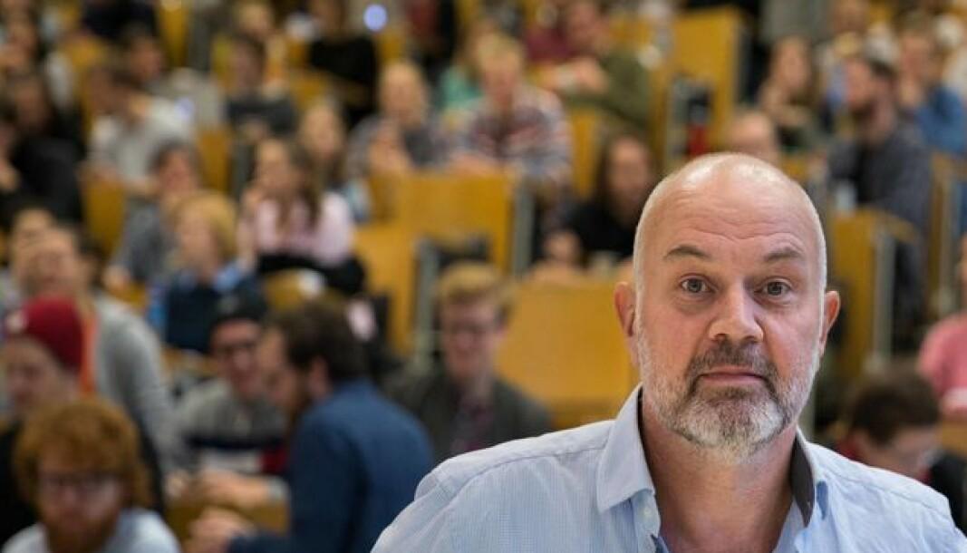 Fredrik Shetelig melder tirsdag at han ikke ønsker å fortsette som dekan ved Fakultet for arkitektur og design.