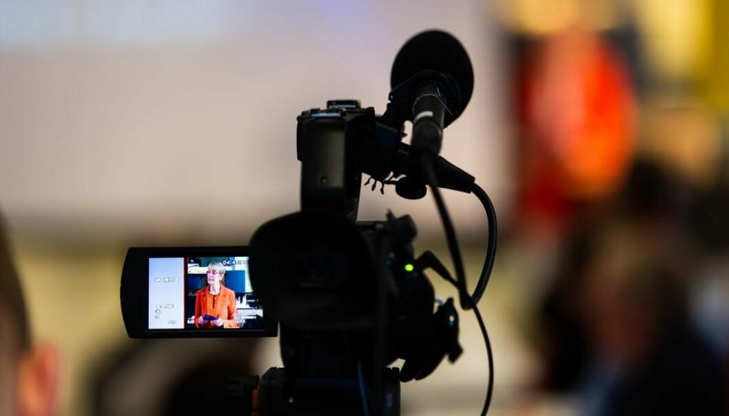 Universitetene har lenge strømmet foredrag, men med koronaen ble det flere videoforelesninger, og dermed ble rettighetene til stoffet en het potet.