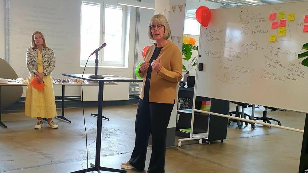 Statsseekretær Anne Grethe Erlandsene i Helse- og omsorgsdepartementet sto for åpningen av verkstedet.