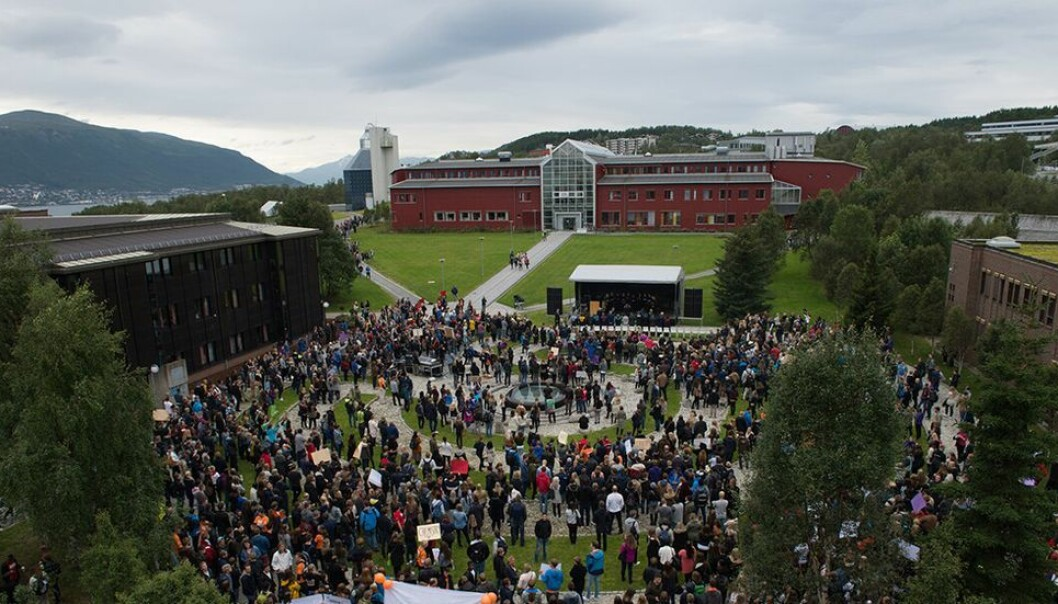 I en studentbolig ved Universitetet i Tromsø var studentene lite villige til å avslutte festen.