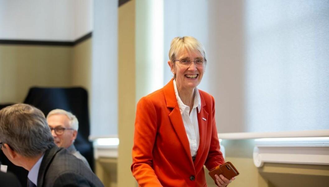 NTNU-rektor Anne Borg sier NTNU følger smittesituasjonen i landet, og at det vurderes innkjøp av et