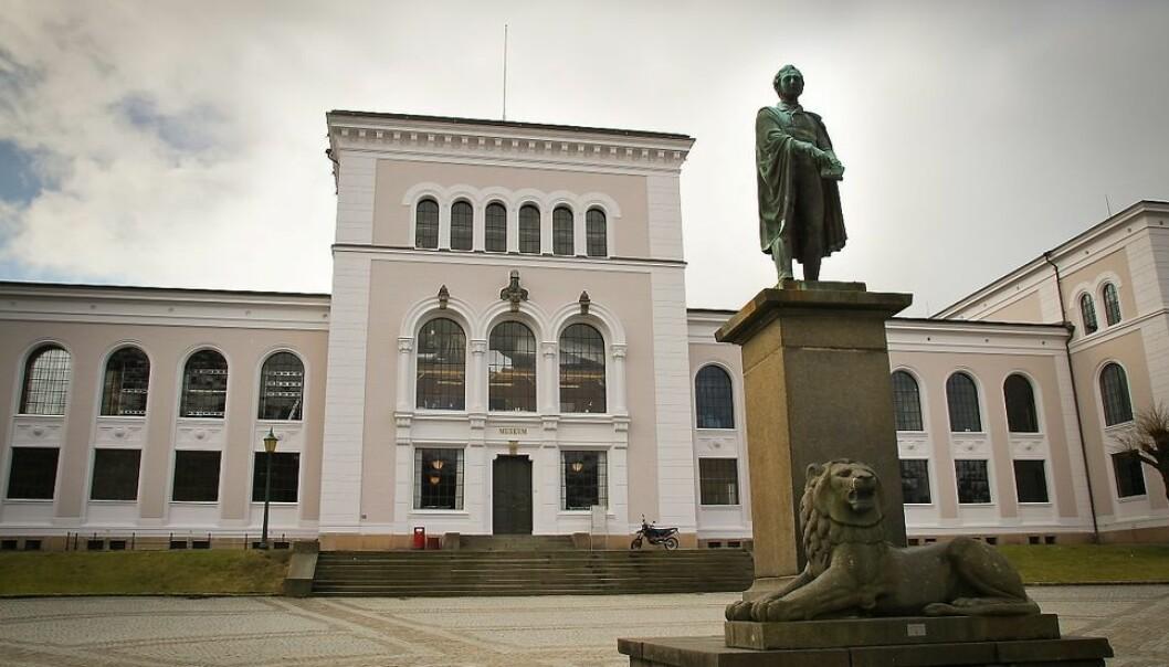 Universitetet i Bergen, her ved Museumsbygningen, er først ut til å innføre det nye lønns- og økonomisystemet.