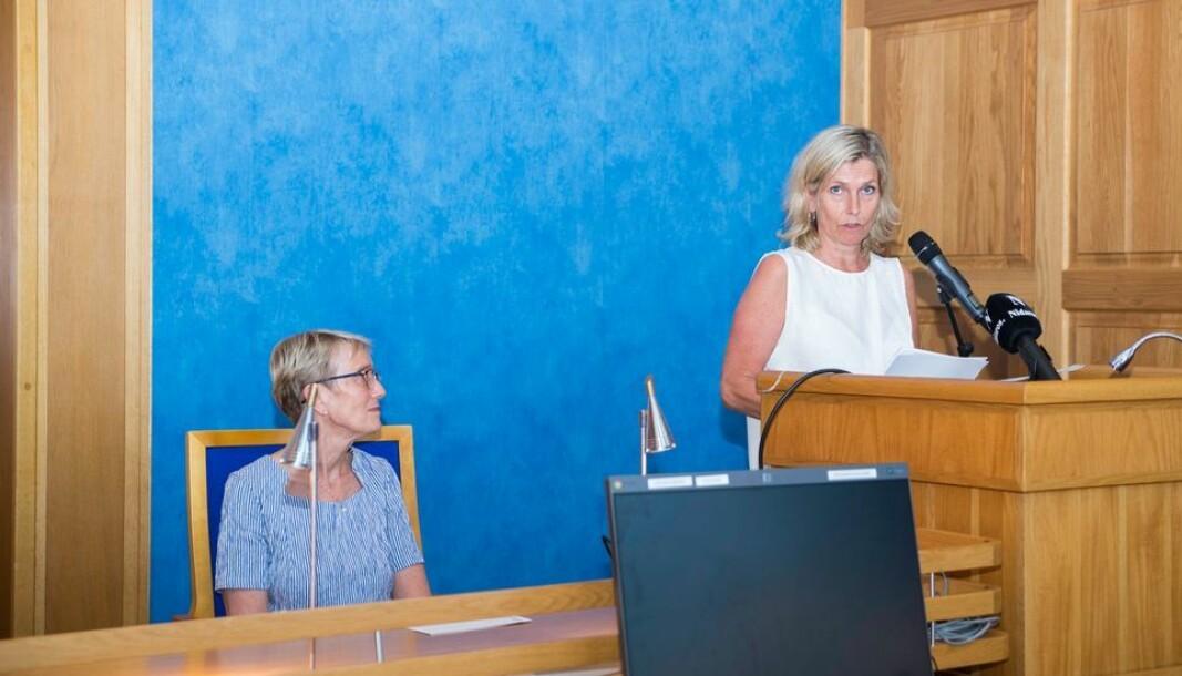 Audhild Kvam (t.h.) orienterte tirsdag Formannskapet i Trondheim om situasjonen for studentene. Bildet er tatt under en tidligere orientering i bystyresalen.