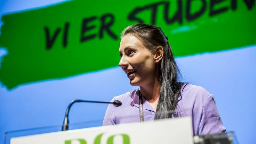 Marte Øien er leder av Norsk studentorganisasjon, her avbildet under organisasjonens landsmøte i år. Hun er tidligere nestleder i organisasjonen og leder for Studenttinget ved NTNU.