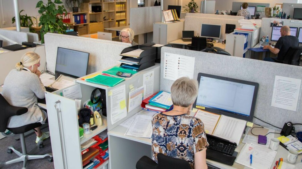 Får vi nå en ny debatt om cellekontor versus kontorlandskap? spør UAs redaktør Tore Oksholen.