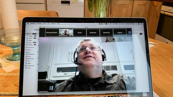 Faglærer Viggo Gabriel Borg Pedersen synes det er fantastisk med digital undervisning hjemmefra.