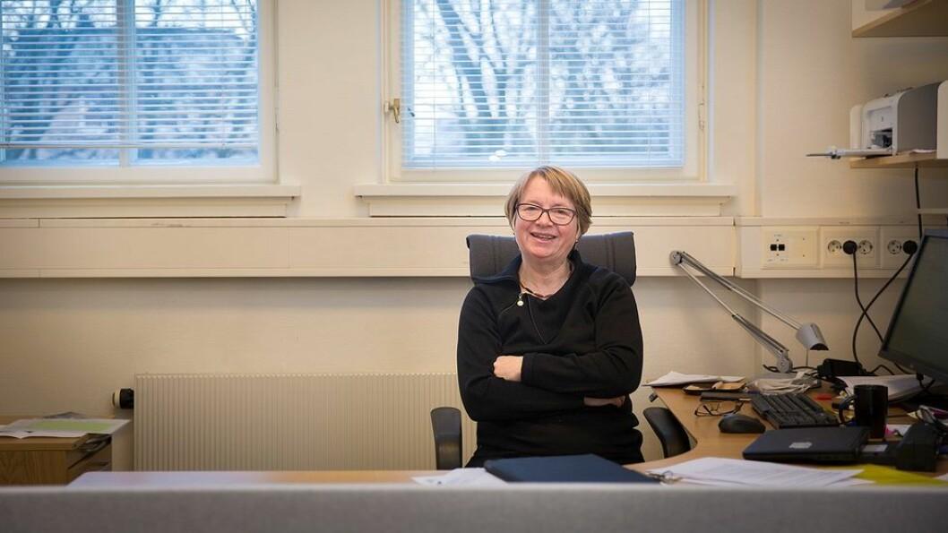 Berit Kjeldstad viser til de gode erfaringene man nå høster med digitale disputaser, når hun forklarer hvorfor NTNU har besluttet å avvikle all eksamen på digital flate denne våren.