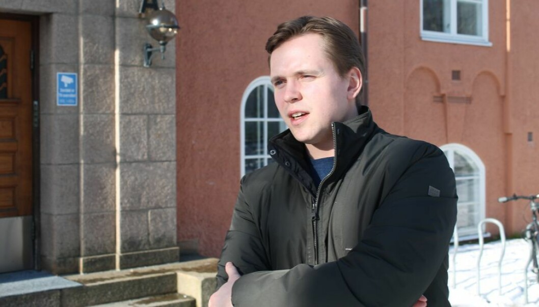 Internasjonalt ansvarlig hos Studenttinget, Tobias Røed, mener utvekslingsstudenter fortjener bedre kommunikasjon med Internasjonal seksjon enn de har i dag.