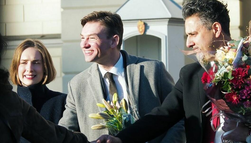 Blir han blant dem som får blomster som medlem av nydannet regjering også denne høsten? Henrik Asheim har gått i valgkampmodus. Her flankert av forgjenger i KD, Iselin Nybø, og Abid Raja.