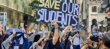 Økt press mot Hongkongs myndigheter for å avslutte politiaksjon ved universitet