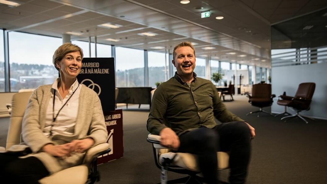 På en framtidssnurr: Påtroppende smartby-koordinator Sindre Rovde og framtidsnavigatør Anne-Lise Sagen Major ser fram til at det snart vil florere av ideer og prosjekter i lokalene til Norsk maritimt kompetansesenter.