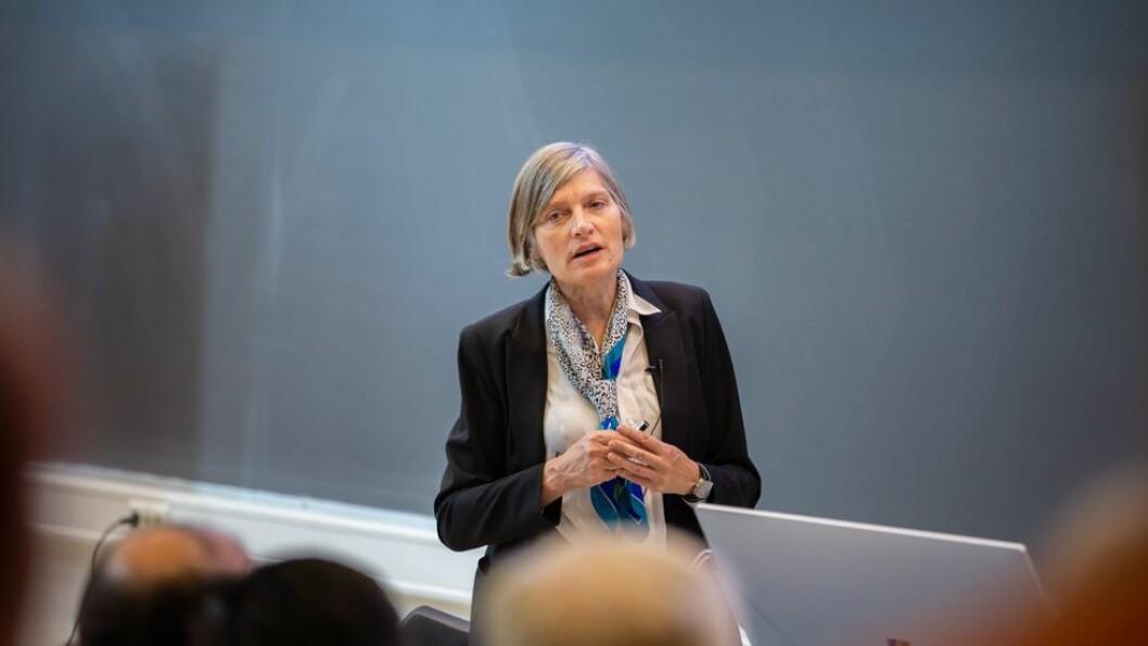 Under den årlige Onsager-forelesningen på NTNU forklarte Lene Vestergaard Hau hvordan hun hadde fått til å bremse, stanse og omforme lys til materie.