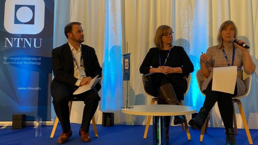 Siri Granum Carson under Europakonferansens avsluttende sesjon, sammen med Annemie Wyckmans og moderator Simon Picard.