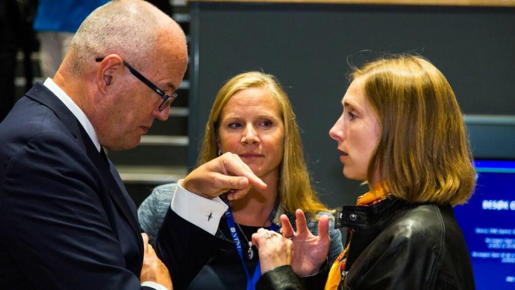 NTNU-rektor Gunnar Bovim, NMBU-rektor og UHR-leder Mari Sundli Tveit og forsknings- og høyere utdanningsminister Iselin Nybø er enige om at det er viktig at alle universiteter og høyskoler har og fortsatt skal ha lovfestet faglig frihet og ansvar.