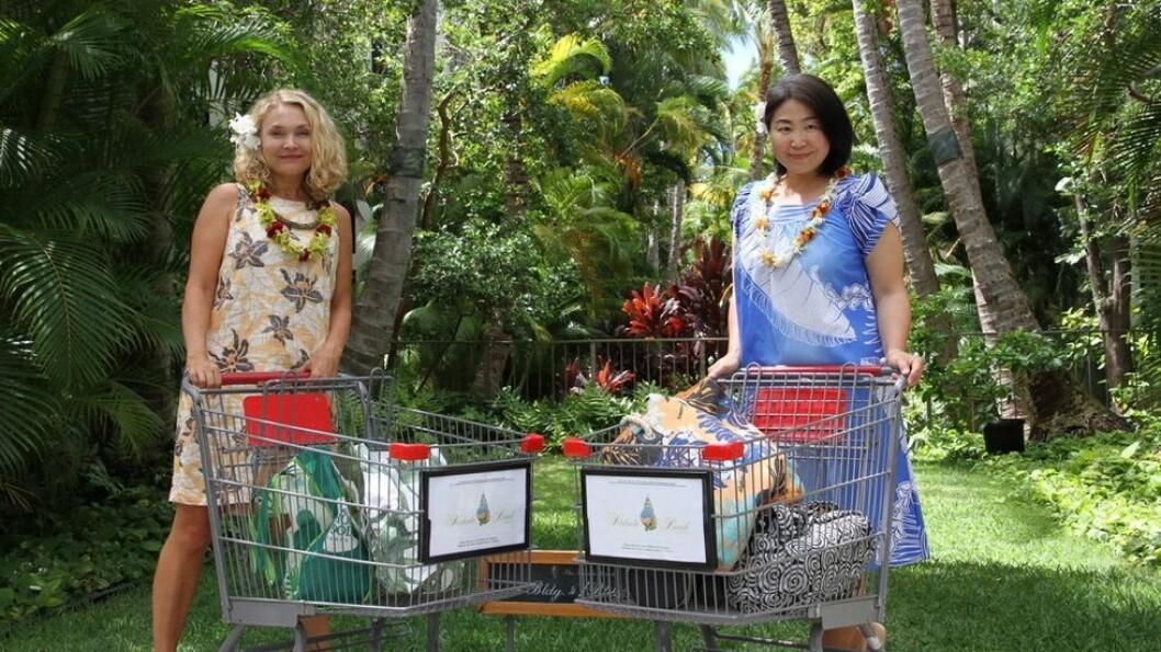 Hawaiierne praktiserer defensiv gåing. Dette viser seg blant annet tydelig på supermarkeder om to handlevogner styrer i retning hverandre, skriver Annjo Klungervik Greenall (t.v.).