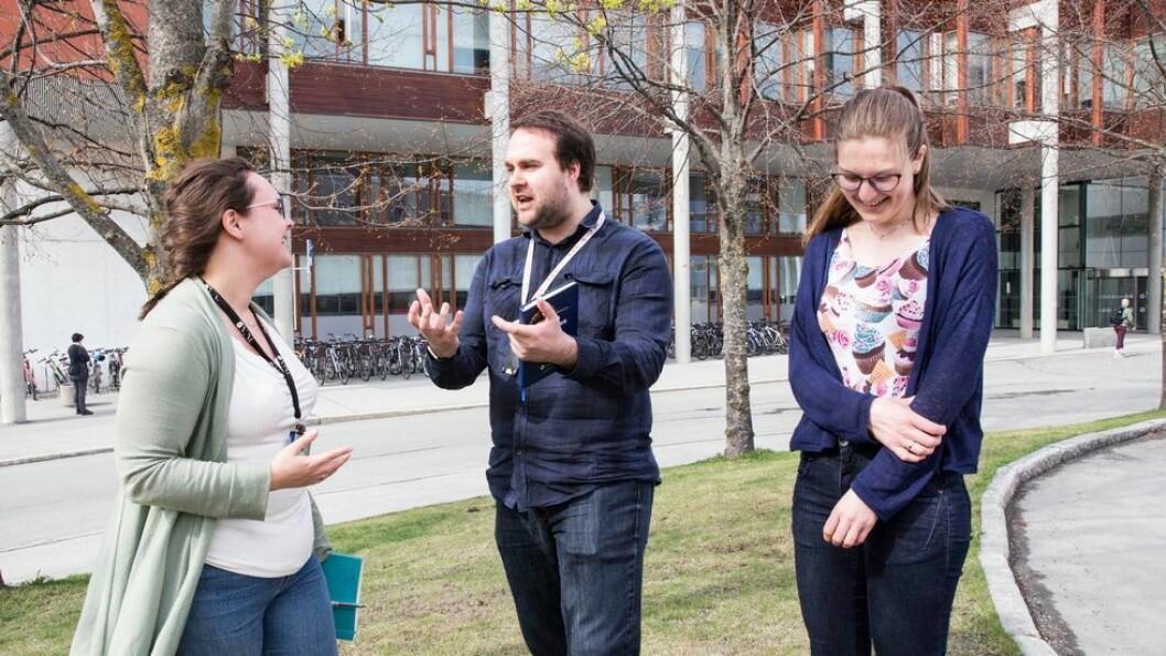 Doktorgradsstudentene Sigrid Rønneberg, David Collins og Merete Falch Erichsen er enige om at veilederen er viktig for hvor bra det går med doktorgradsoppgaven.