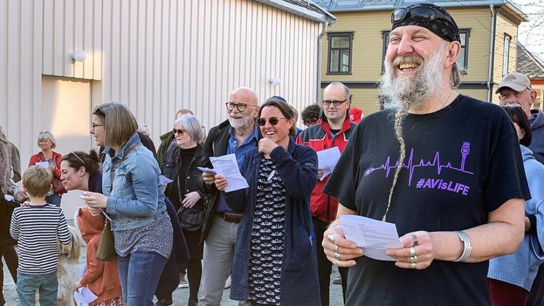 Arkitektprofessor Dag Kittang og kunsthistoriker Margrethe Stang (i bakgrunnen) møtte opp for å formidle at de vil ha bevaring av Grensen.