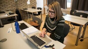 I dyp konsentrasjon: Universiteteslektor Alissa Vik deltar på Skrivepress for å få fart på skrivinga, men også for å bli kjent med andre forskere.