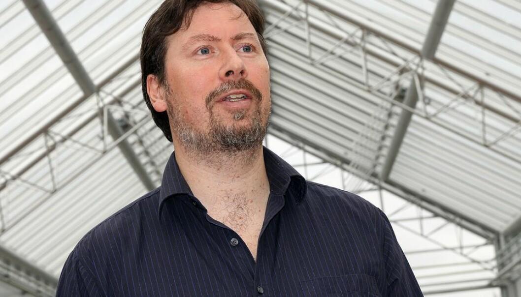 Prosjektleder Leif Edward Ottesen Kennair mente det ikke var problematisk at stipendiat i prosjektet selv hadde drevet med kurs i Lightning Process.