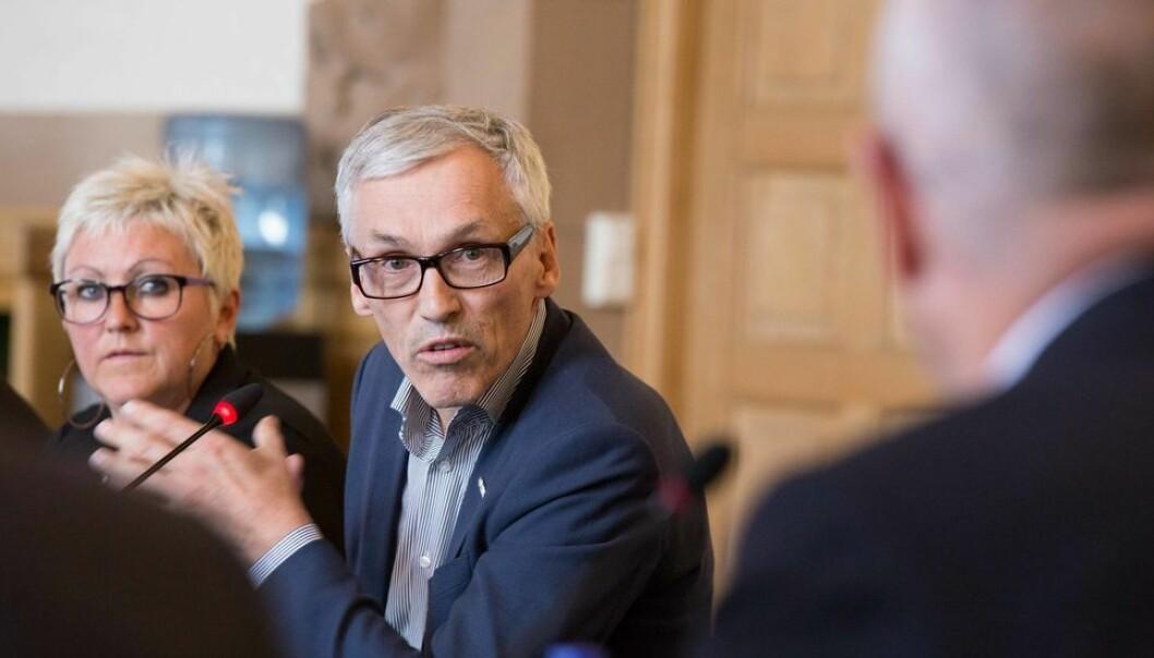 Fra før av har professor Bjarne Foss vært både styremedlem og prorektor. Nå er han tilbudt jobben som instituttleder ved Kavliinstituttet.