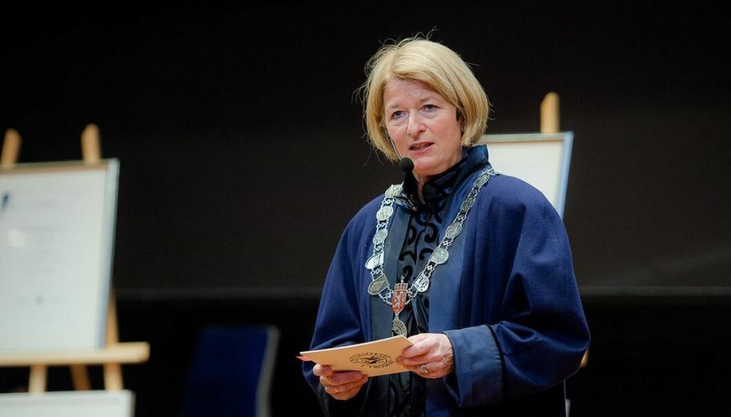Anne Husebekk er rektor ved UiT - Norges arktiske universitet. Svein Anders Noer Lie er kritisk til forslaget hennes om et felles første år for alle studenter.