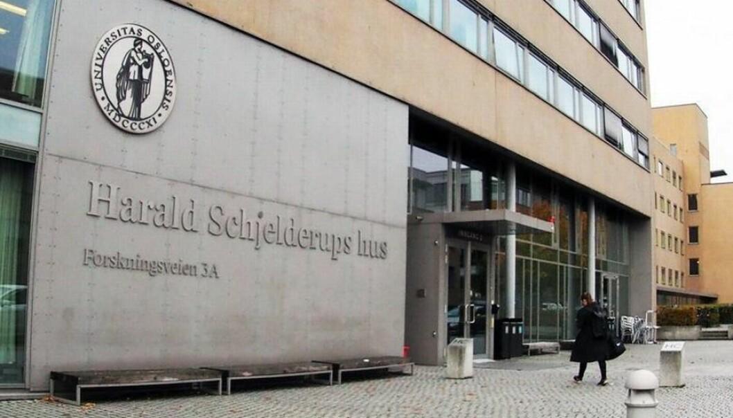 Studenter har startet et opprop for å få gjenåpnet lesesalene ved Universitetet i Oslo sine campus.