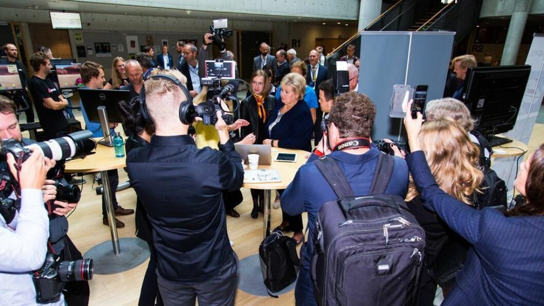 Det er knyttet store forventninger til regjeringens forslag til statsbudsjett for 2019 som legges ut mandag. En ting er om Kunnskapsdepartementet har fått det de ønsker, en annen er om aktørene i universitetssektoren er fornøyd med hvordan statsråd Iselin Nybø har fordelt disse midlene. Her er hun avbildet sammen med statsminister Erna Solberg under Teknologitoppmøtet på NTNU i høst.