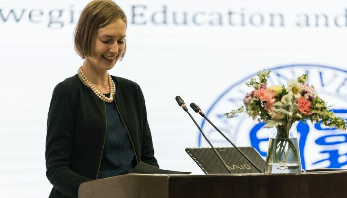 Iselin Nybø taler under Education Day på Beijing Normal University.