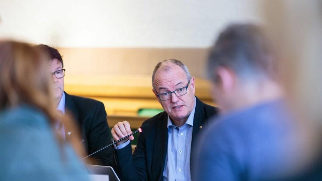 Tilliten til NTNU-rektor Gunnar Bovim har økt siden undersøkelsen i 2015, men 40 prosent ved «gamle NTNU» sier de ikke har tillit til ham. En tredel sier har tillit til rektoren.