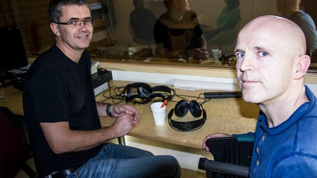 Roger Hagen (til høyre) er professor i psykologi ved NTNU. - Før var vi kollektivister, nå er vi individualister, der vi dyrker oss selv, sier han. (Til venstre kollega Odin Hjemdal, som ikke uttaler seg i artikkelen).