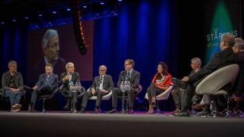 Nobelprisvinnerne var blant annet uenige om forskning skjer best i store team eller ikke.