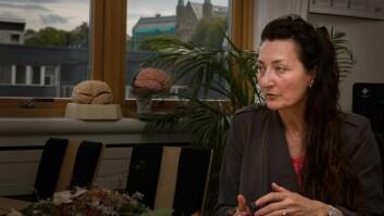 May-Britt Moser mener gode forskningsmiljøer bør få finansiering over statsbudsjettet. Kavli-instituttet, som i dag ledes av Edvard Moser, har fått en slik bevilgning på 12,5 millioner kroner årlig. Senteret var en del av den første generasjonen SFF-sentre i Norge.