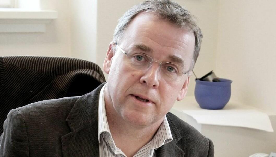 Avdelingsdirektør Arne Kr. Hestnes forteller at NTNU vil se på bruken av eksterne konsulenter ved ansettelser når Moen-utvalget har levert sin innstilling.