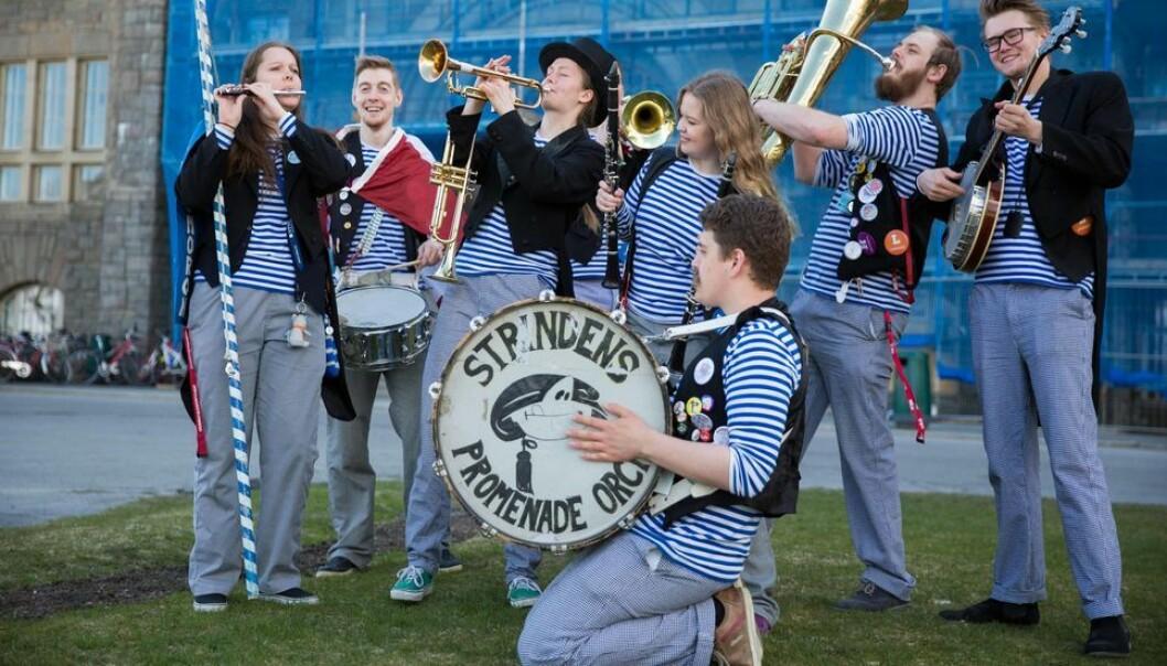 Sjef for Strindens Promenade Orchester er en av dem som støtter samarbeidsavtalen mellom Reitan og Studentersamfundet.