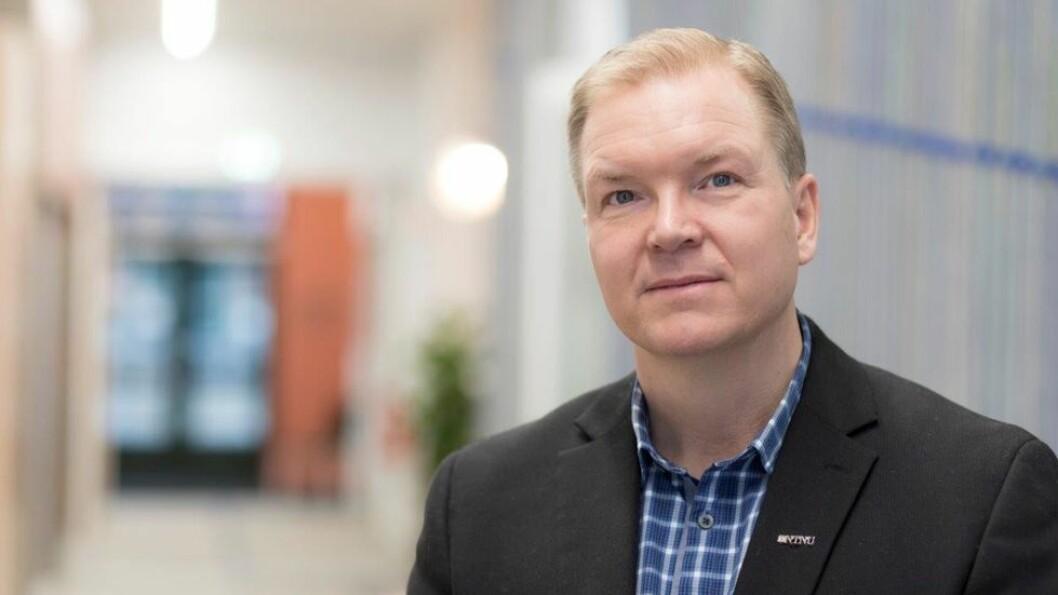 DMF-dekan Björn Gustafsson sier NTNU vil utarbeide retningslinjer for etisk lisensiering.
