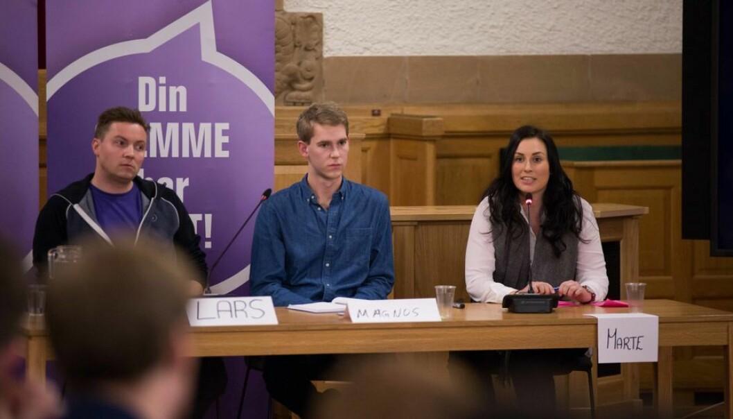 Lars Føleide, til venstre på bildet, stilte tidligere til leder av Studenttinget.
