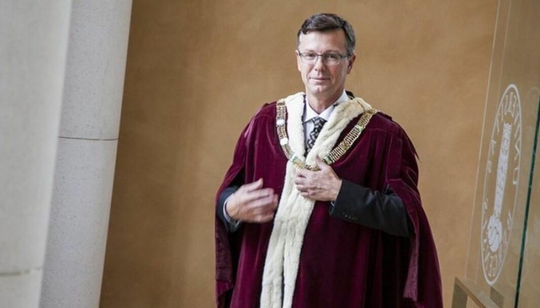 Dag Rune Olsens periode som rektor ved Universitetet i Bergen nærmer seg slutten. I august neste år skifter han universitet og blir rektor i Tromsø.