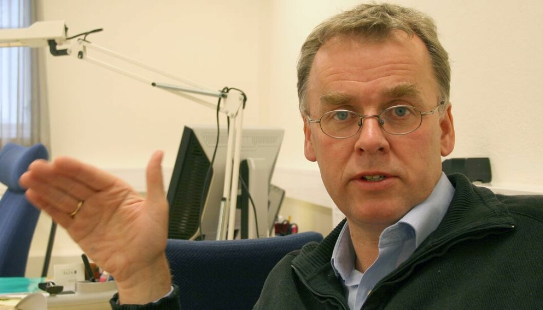 Arne Kr. Hestnes har besluttet å be et advoktatbyrå om å behandle en klage på en ansettelse, likevel mener han økt advokatbruk ved universitetet er et problem.